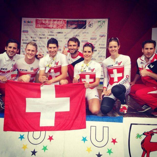 Zweiter von Links: Claude Koster mit dem Schweizer Team.